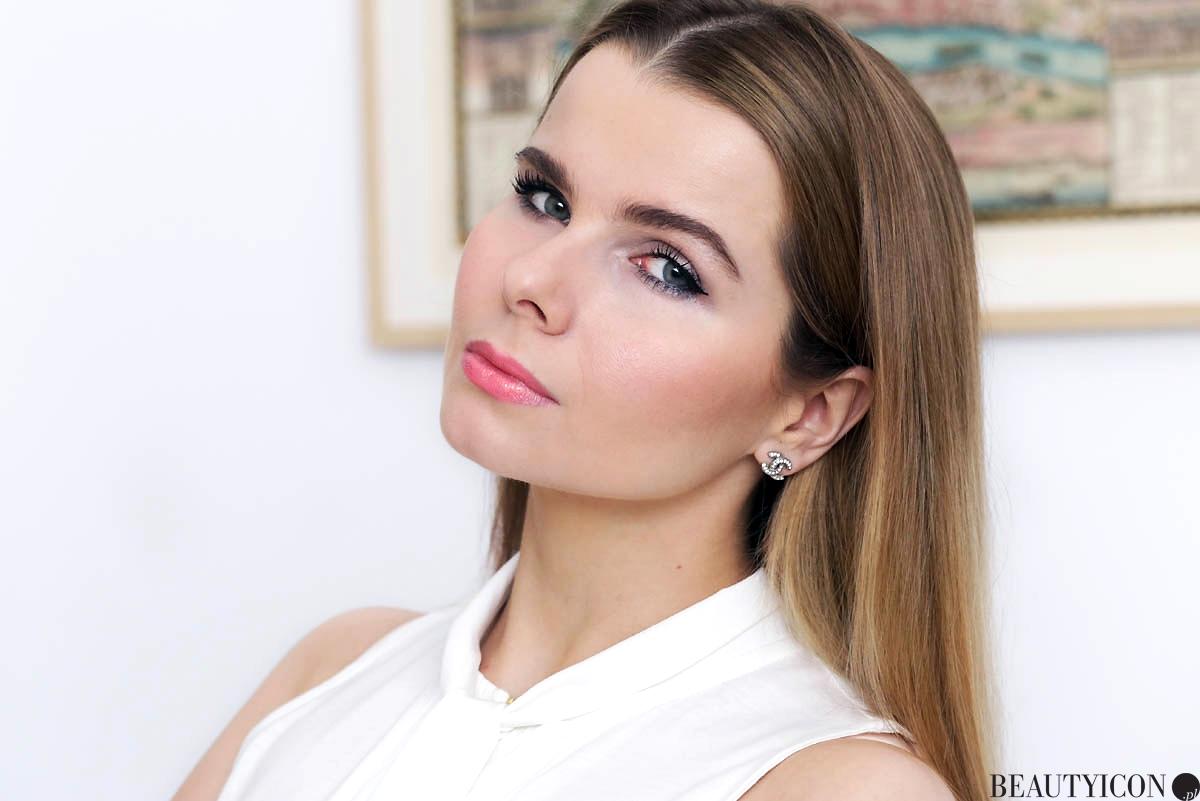 Diorskin Forever UndPodklad matujacy, Dior Diorskin Forever Undercover makeup na twarzy