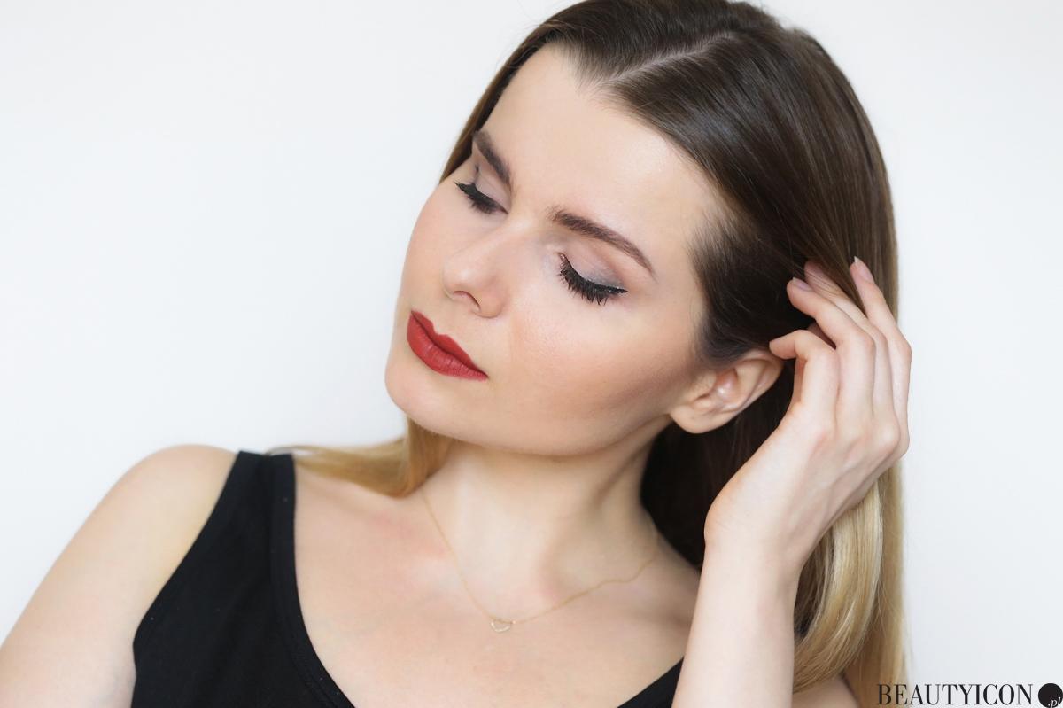 Kosmetyki Kat Von D, Kat Von D Sephora, paleta do konturowania, pudry do konturowania, makijaż Kat Von D, pomadka Kat Von D