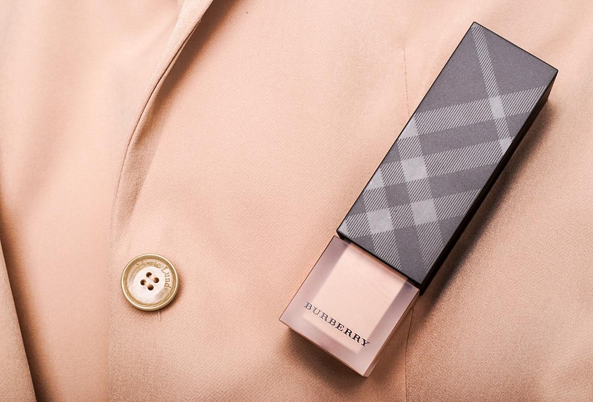 Podkład Burberry Cashmere, kosmetyki Burberry, makijaż Burberry
