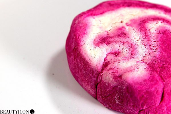 Lush Bubble Bar: The Comforter