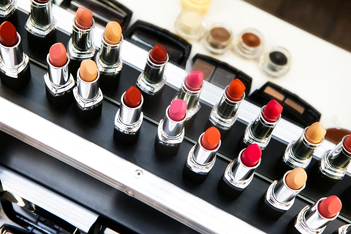 Warsztaty makijażowe Avon, Avon Piękno i Niezależność, matowa pomadka Avon, tusz Avon Big&Multiplied
