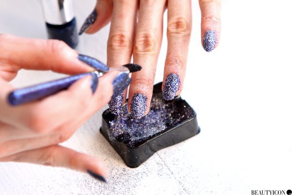 bling-it-on-midnight-nails-pots4