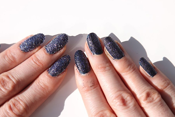 nails-inc-bling-it-midnight