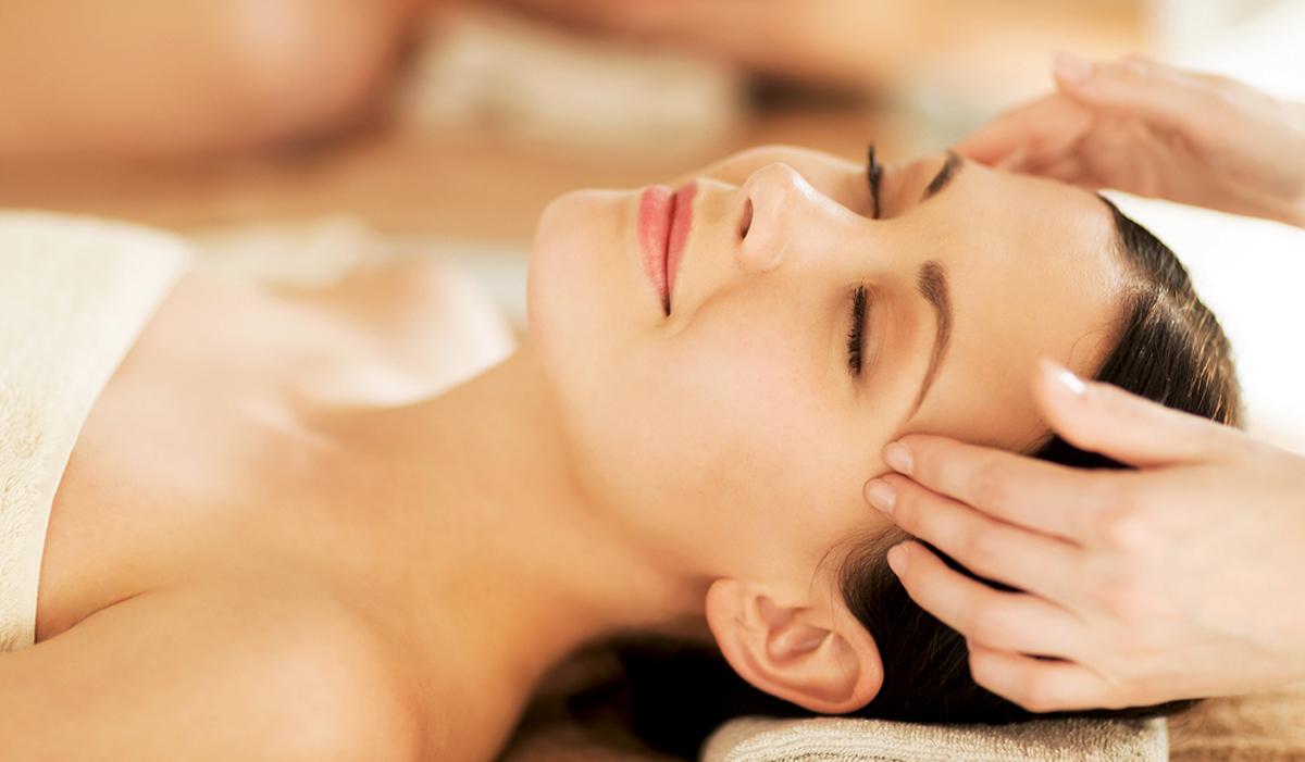 Masaż twarzy, techniki masażu twarzy, pielęgnacja przeciwzmarszczkowa