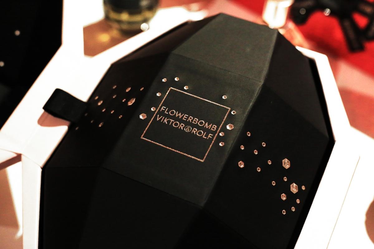 Viktor&Rolf Flowerbomb, zestaw świąteczny Flowerbomb, Jajo Faberge
